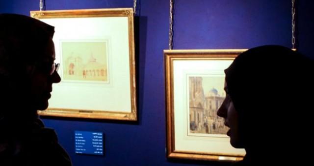 نمایش دو تابلوی نقاشی هیتلر در تهران