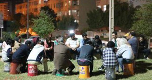 """گزارشی کوتاه از برگزاری نشست مداقه ۱ از سلسله برنامههای """"هنر در پیادهرو"""" در بندرعباس"""