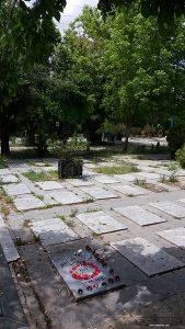 قبر احمد شاملو